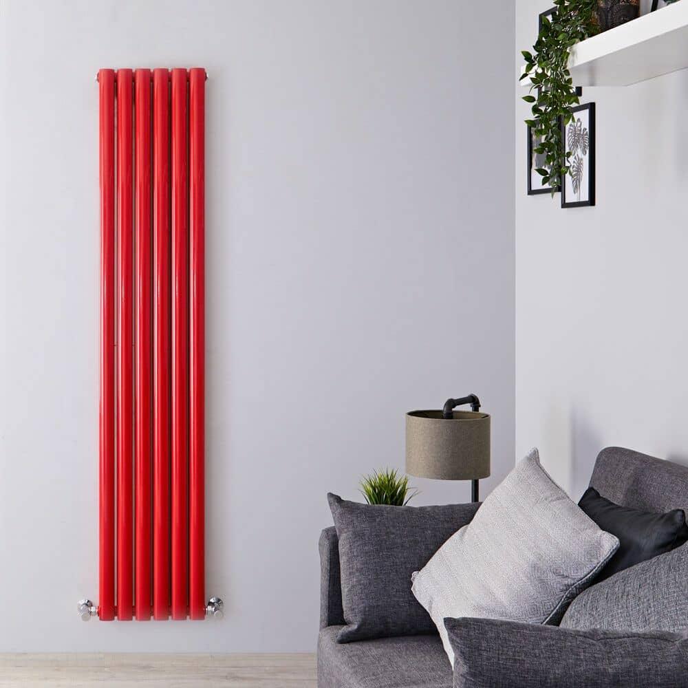 termosifone di design verticale con finitura lucida rossa